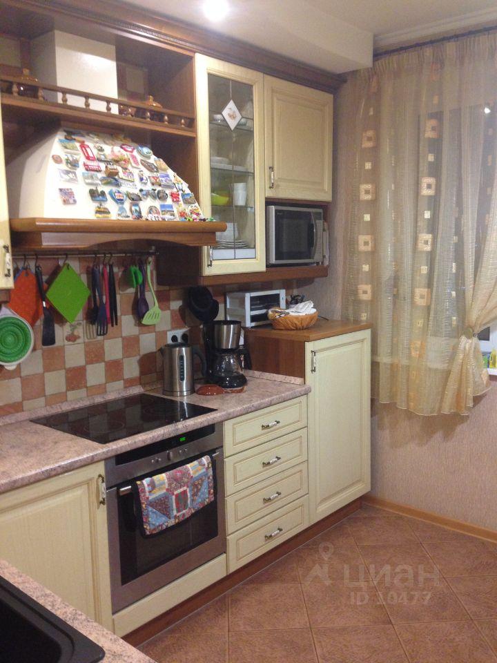 продам четырехкомнатную квартиру город Москва, метро Юго-Западная, улица Богданова, д. 6к1