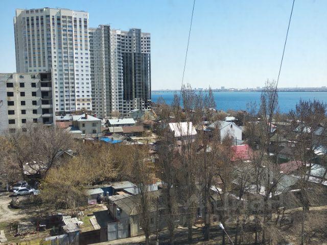 Продается трехкомнатная квартира за 3 740 000 рублей. г Саратов, ул им Чернышевского Н.Г., д 80.