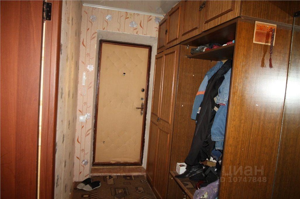 куплю трехкомнатную квартиру Воскресенский район, поселок городского типа Белоозерский, улица 50 лет Октября, д. 18