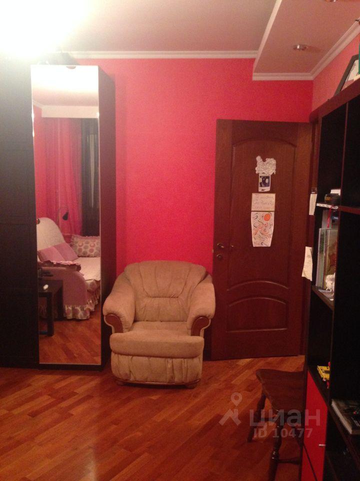продаю четырехкомнатную квартиру город Москва, метро Юго-Западная, улица Богданова, д. 6к1