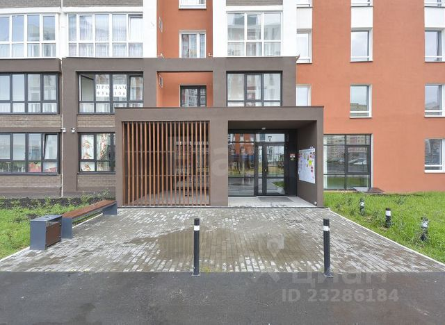 Продается двухкомнатная квартира за 3 800 000 рублей. г Салехард, ул Обдорская, д 2.