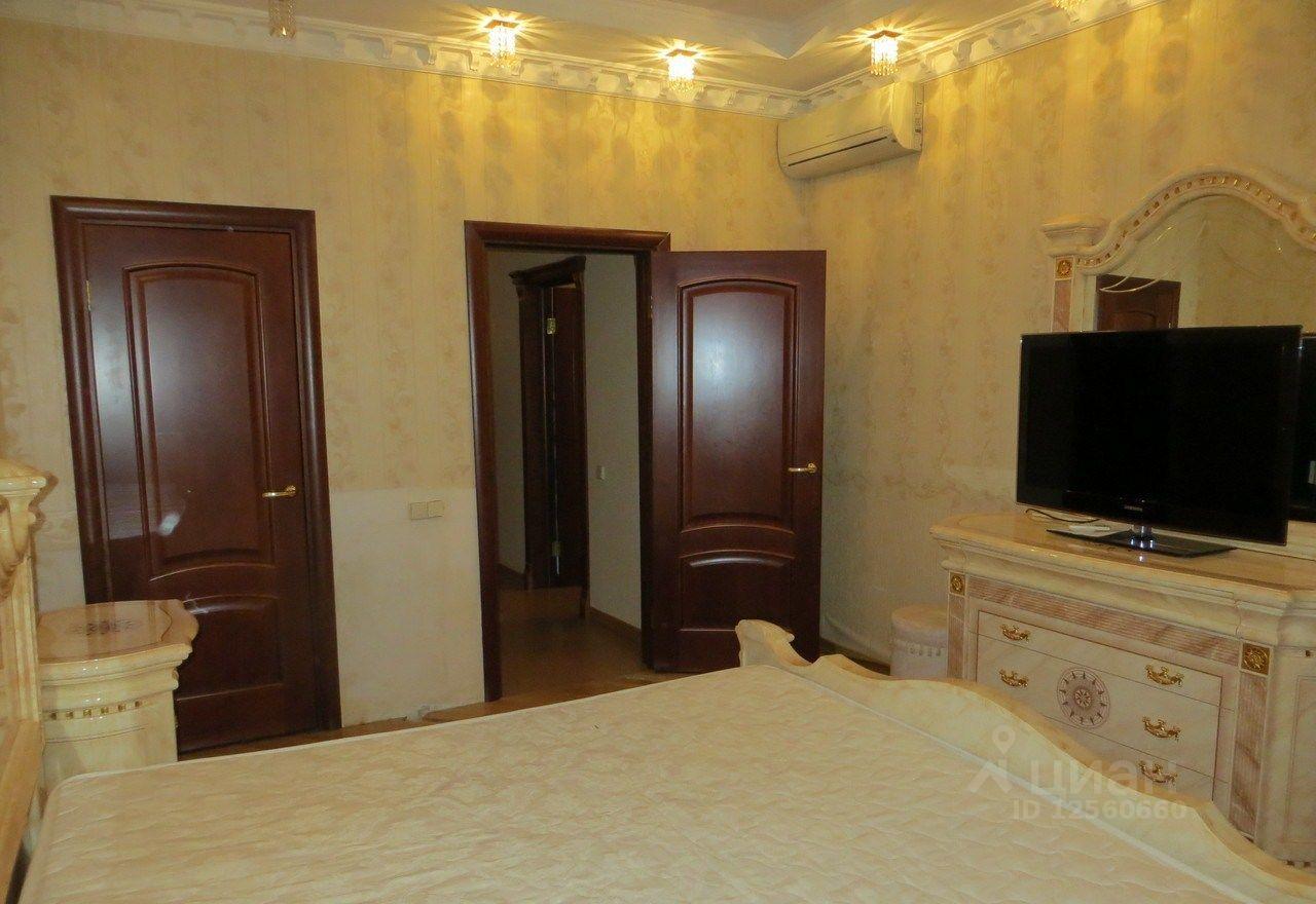 сдаю трехкомнатную квартиру город Москва, метро Юго-Западная, проспект Вернадского, д. 94к4