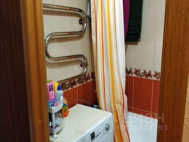 Продается трехкомнатная квартира за 3 500 000 рублей. г Мурманск, ул Ушакова, д 7 к 2.