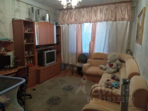 Продается трехкомнатная квартира за 2 300 000 рублей. Россия, Ямало-Ненецкий автономный округ, Салехард, переулок Строителей, 8.