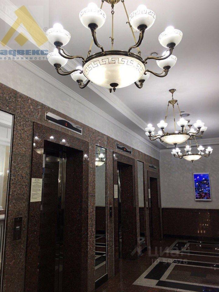 сдам трехкомнатную квартиру город Москва, метро Щукинская, Авиационная улица, д. 77к5