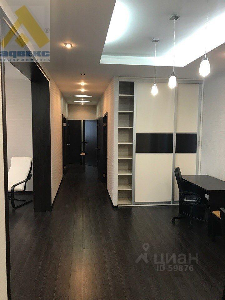 снять трехкомнатную квартиру город Москва, метро Щукинская, Авиационная улица, д. 77к5