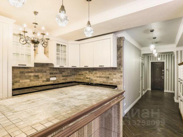 Продается трехкомнатная квартира за 14 000 000 рублей. Респ Крым, г Ялта, ул Кривошты, д 11А.