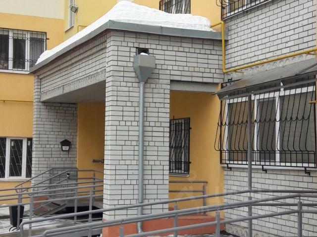 Продается двухкомнатная квартира за 2 300 000 рублей. Россия, Саратовская область, Энгельс, улица Ломоносова, 29.