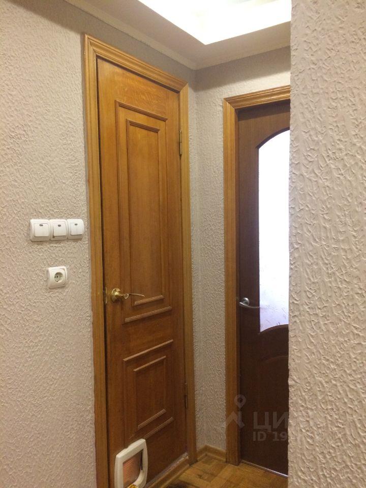 продам двухкомнатную квартиру город Москва, метро Волоколамская, Пятницкое шоссе, д. 11