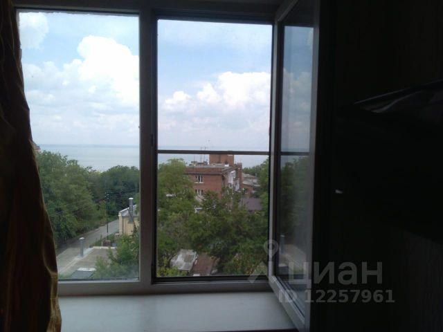 Продается двухкомнатная квартира за 1 590 000 рублей. Россия, Ростовская область, Таганрог, переулок Гарибальди.