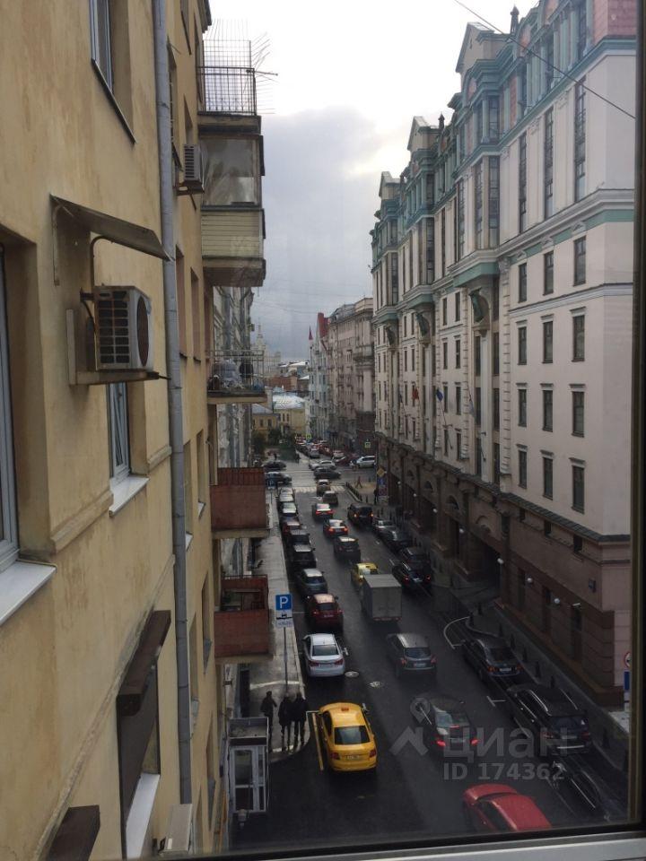 снять двухкомнатную квартиру город Москва, метро Пушкинская, Старопименовский переулок, д. 4С1