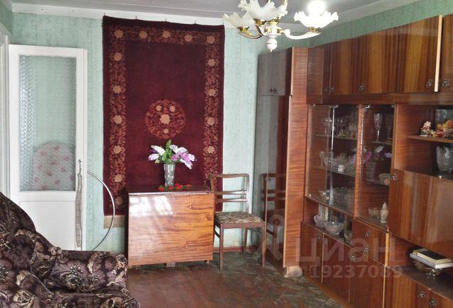 Продается трехкомнатная квартира за 2 050 000 рублей. г Астрахань, ул Анри Барбюса, д 17.