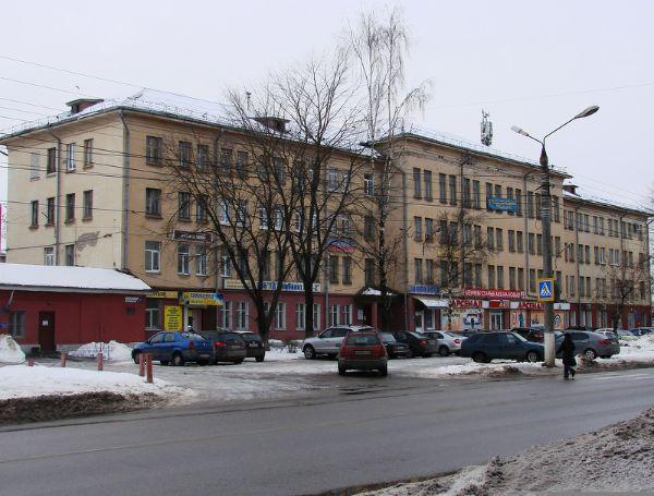 Торгово-офисный комплекс на проспекте 50 лет Октября, 17