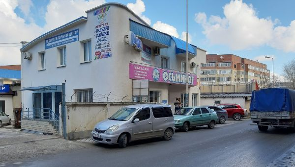 Торгово-офисный комплекс на ул. Астраханская, 100