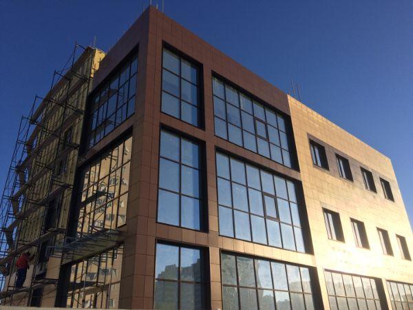 Торгово-офисный комплекс на ул. Малахова, 149Б