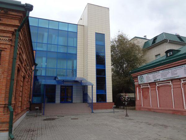 Отдельно стоящее здание на ул. Академическая, 8
