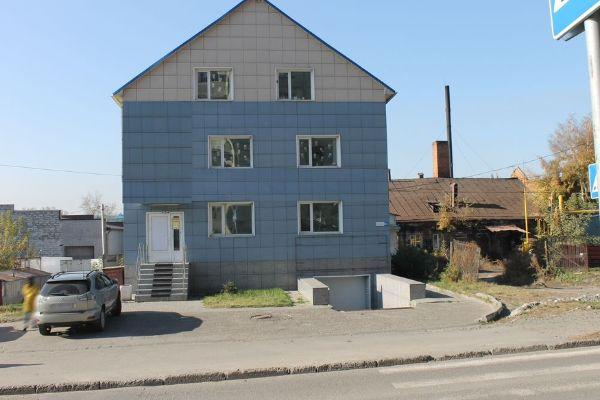 Торговый комплекс в переулке Ядринцева, 65