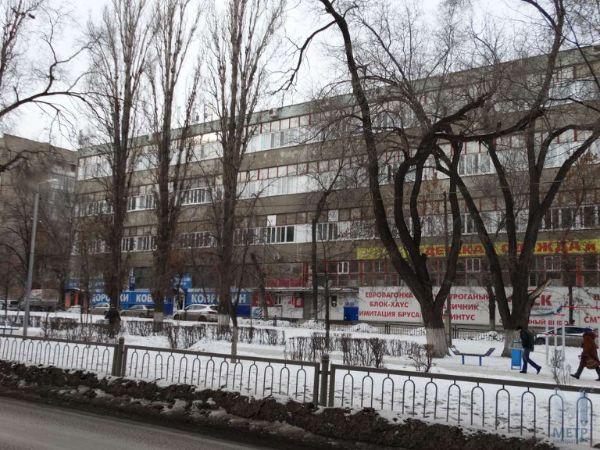 Бизнес-центр на ул. Рахова, 181