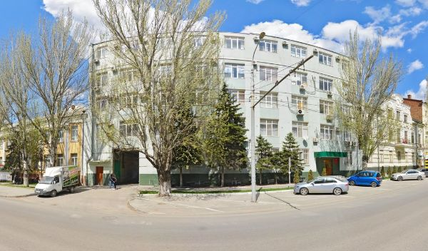 Торгово-офисный комплекс на ул. Красноармейская, 33