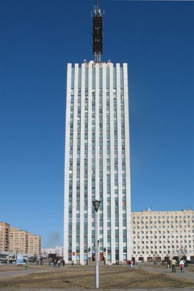 Офисное здание на площади Ленина, 4