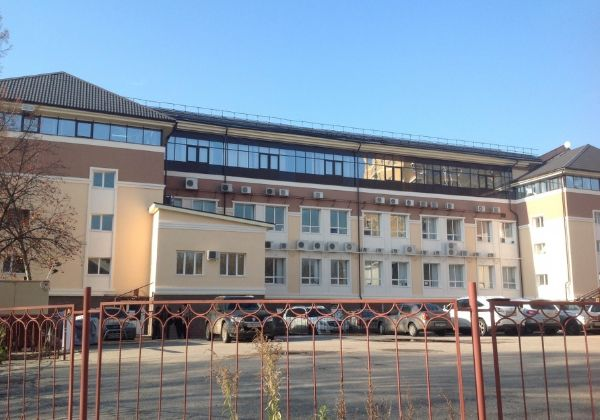 Бизнес-центр на ул. Полтавская, 32