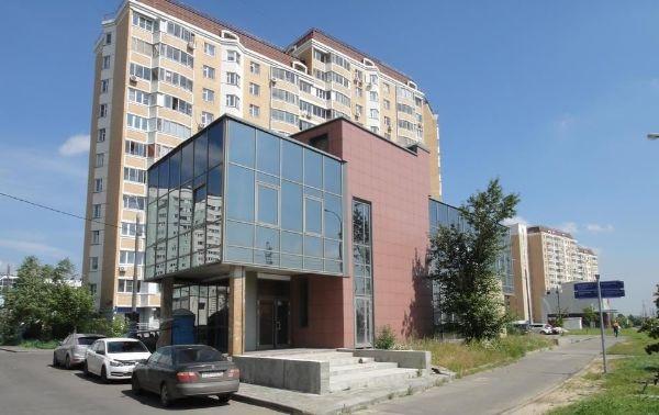 Торговый центр на ул. Дмитриевского, 9А