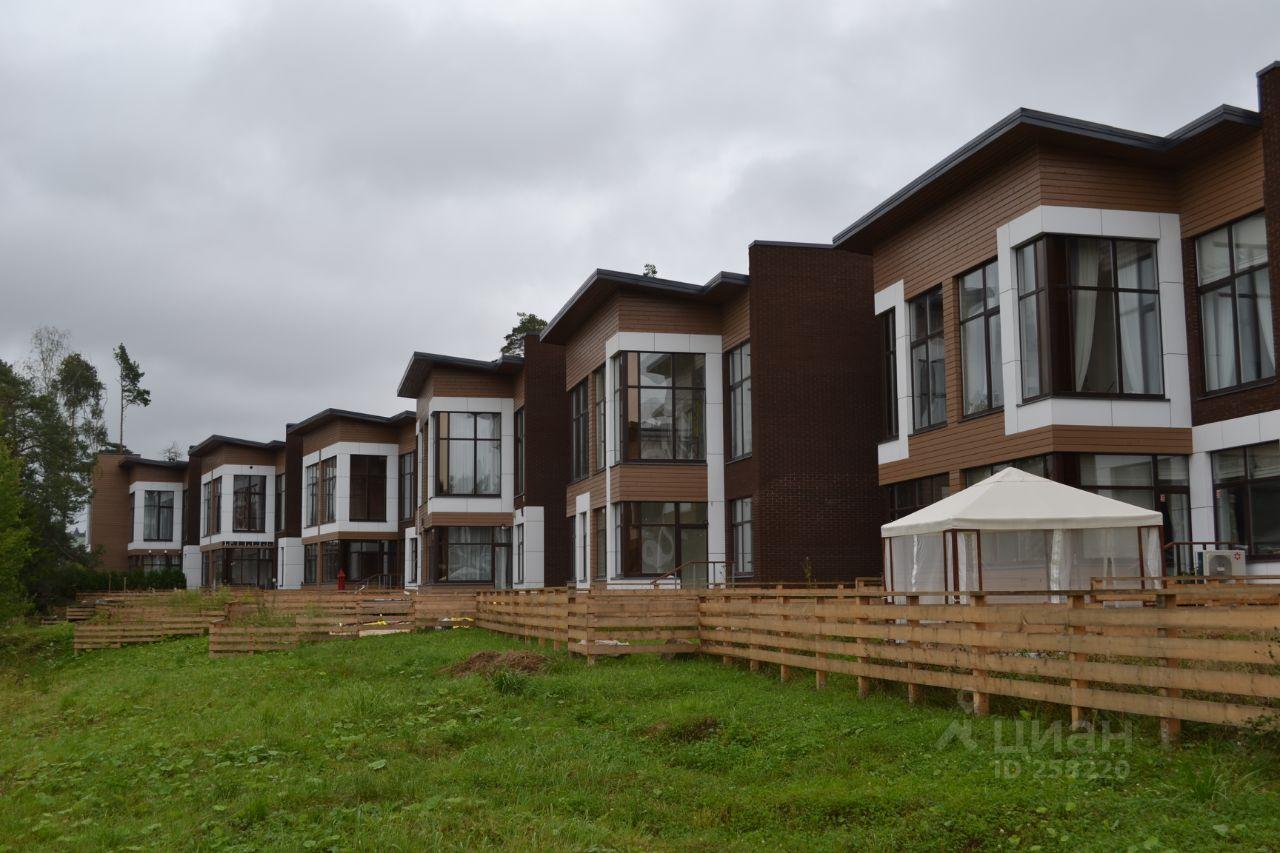 Новая версия рейтинга посёлков бизнес-класса включает большее количество проектов и свежие экспертные оценки.