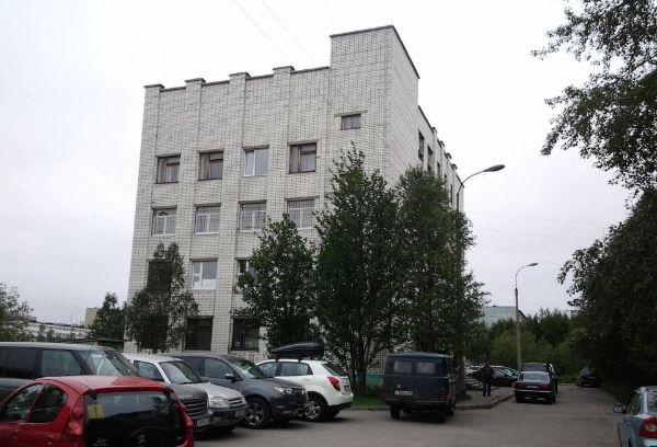 Офисное здание на ул. Академика Книповича, 49к1