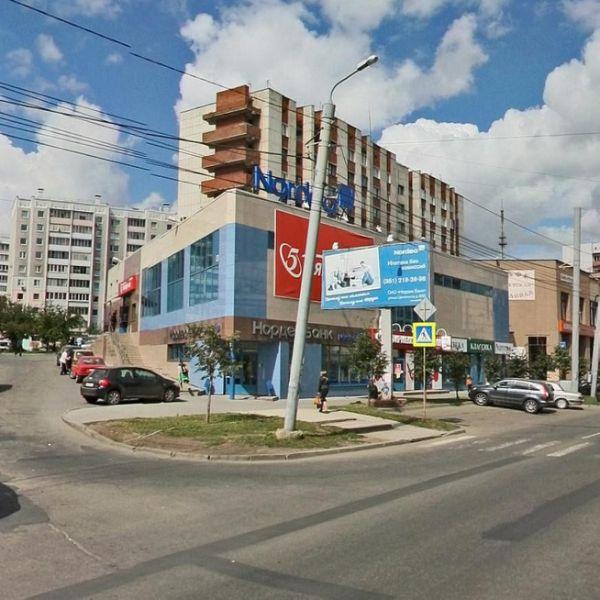 Торговый комплекс на ул. Цвиллинга, 66Б
