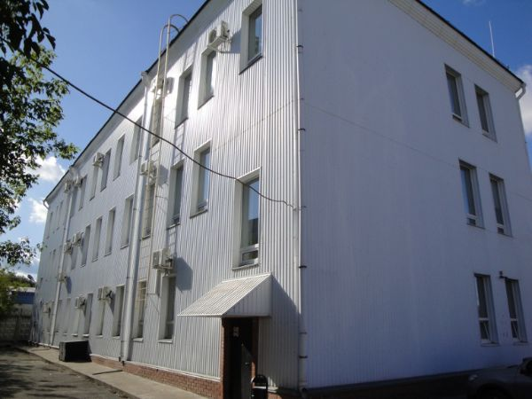 Офисный центр на ул. Прапорщика Комарова, 11