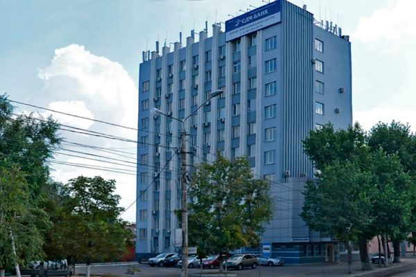 Офисное здание на проспекте Революции, 1А