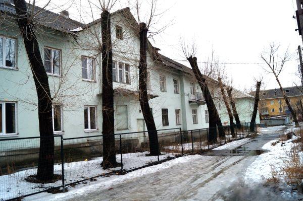 Отдельно стоящее здание на ул. Полины Осипенко, 17