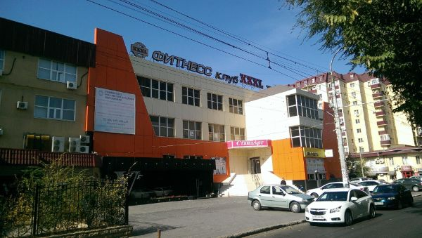 Торговый центр на ул. Савушкина, 4