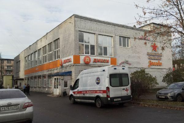 Торговый центр на Новоизмайловском проспекте, 49к2