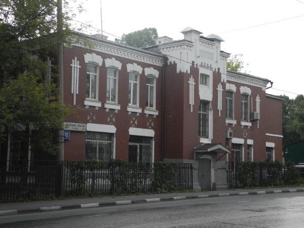 Административное здание на ул. Нижние Поля, 15