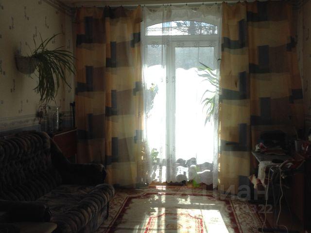 Продается трехкомнатная квартира за 3 550 000 рублей. Россия, Новгородская область, Великий Новгород, Софийская сторона, улица Людогоща, 10.