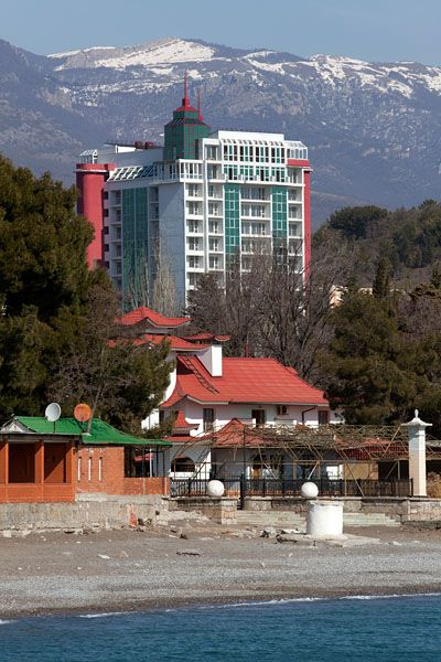 3-я Фотография ЖК «Жилой дом с мансардой в Алуште»