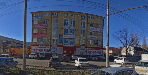 Торгово-офисный комплекс на ул. Пирогова, 15А