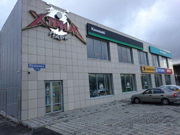 Торгово-офисный комплекс на ул. Кулакова, 12Г