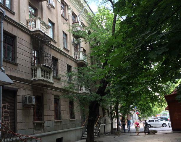 Продается трехкомнатная квартира за 8 400 000 рублей. респ Крым, г Симферополь, ул Пушкина.