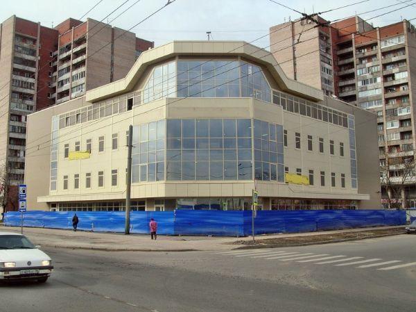 Торгово-офисный комплекс на Загребском бульваре, 45