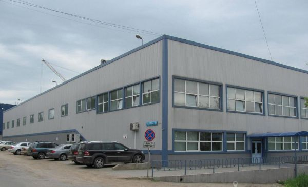 Офисно-складской комплекс на ул. Сурикова, 14