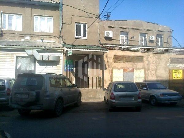 Отдельно стоящее здание на проспекте Труда, 111