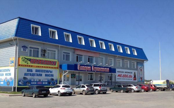 Торгово-офисный комплекс на ул. Бурова-Петрова, 117