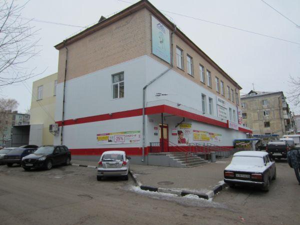 Торговый комплекс на ул. Полетаева, 29