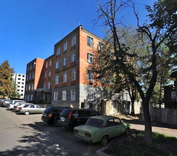 Торгово-офисный комплекс на ул. Богданова, 22