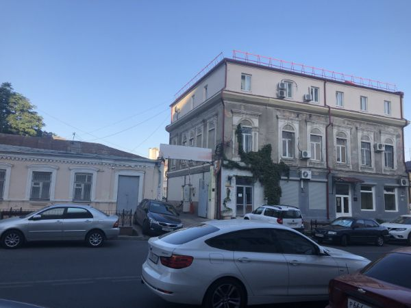 Офисное здание на проспекте Соколова, 18