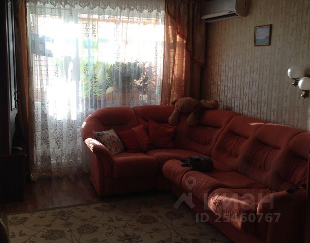 Продается двухкомнатная квартира за 1 600 000 рублей. г Саратов, пр-кт Энтузиастов, д 54.