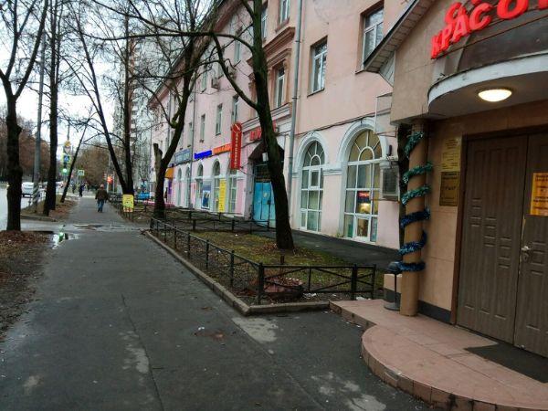 Отдельно стоящее здание на ул. Верхняя Первомайская, 36