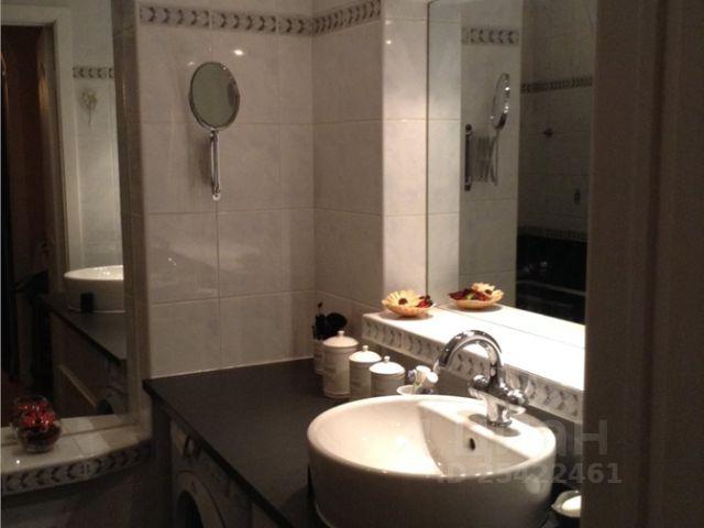 Продается двухкомнатная квартира за 15 400 000 рублей. г Москва, ул Жуковского, д 5А.